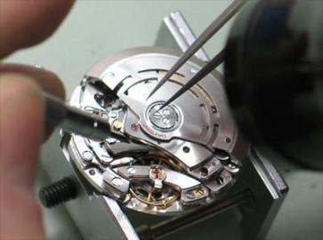 Remplacement de mouvements de montres de petite taille (ce qui était autrefois payer)